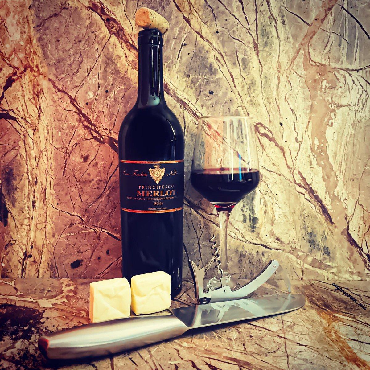 Thursday wine🍷&cheese🧀. 2018 Castellani Principesco Merlot Terre Sicilia IGT, Italy🇮🇹  #sagarsareen #vino #castellaniwine #wine   https://t.co/nDb49fLqv1 https://t.co/ZdCyuav3Oi