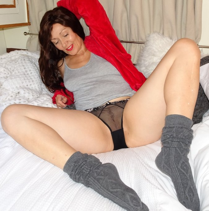 Don't you just love being all comfy when the weather turns bad? #panties #milf #hotwife #milf https://t
