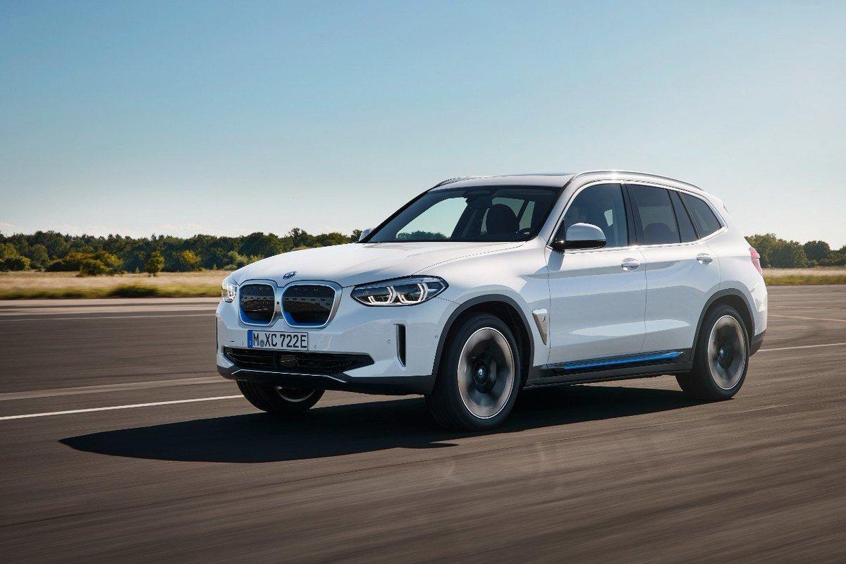 ¡¡Nuevo vídeo!! Te enseñamos cómo es el BMW iX3, el primer SUV eléctrico de la marca alemana. Marcará un antes y un después en la movilidad eléctrica de BMW  https://t.co/XaDNUjR5XX  #BMW #iX3 #electrifyou @BMWGroupEspana @BMWEspana https://t.co/AKGgHpS6nu