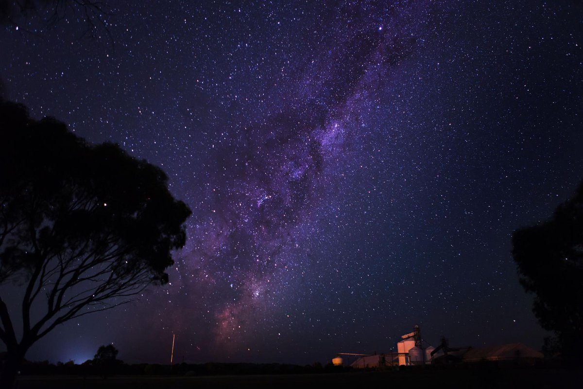 #Perth #WA Join us at the York Recreation & Convention Centre Oval for an evening of free stargazing on Saturday the 3rd of Oct from 6:30 pm  More Info:  https://t.co/yG4oF8vGFb  #perthnews #perthlife #ThisisWA #york #shireofyork #wanderoutyonder #wheatbelt #justanotherdayinwa https://t.co/BH3LtBXBeK