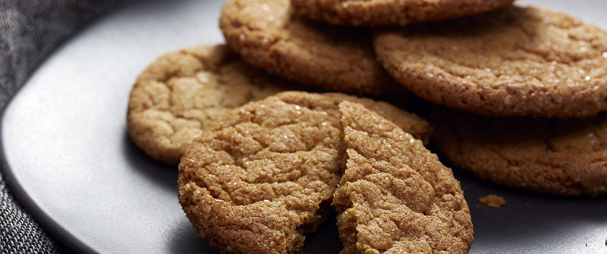 Grab your apron and roll up your sleeves because it's #NationalHomemadeCookiesDay! Ginger Spice Cookies are the perfect #fall inspired #cookie for the occasion. 🍂 https://t.co/YGnm9qVaw4 https://t.co/EiNt9s9CFg
