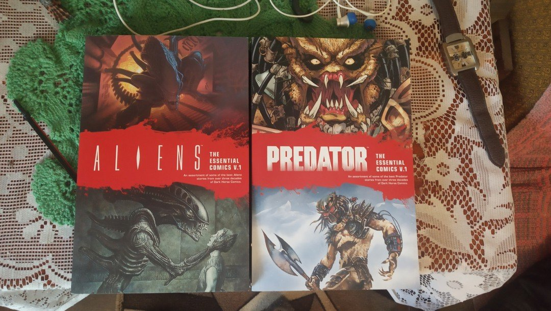 Hello, @DarkHorseComics, your another comic book is a fine addition to my collection. #Aliens https://t.co/Am5sICc1Zo