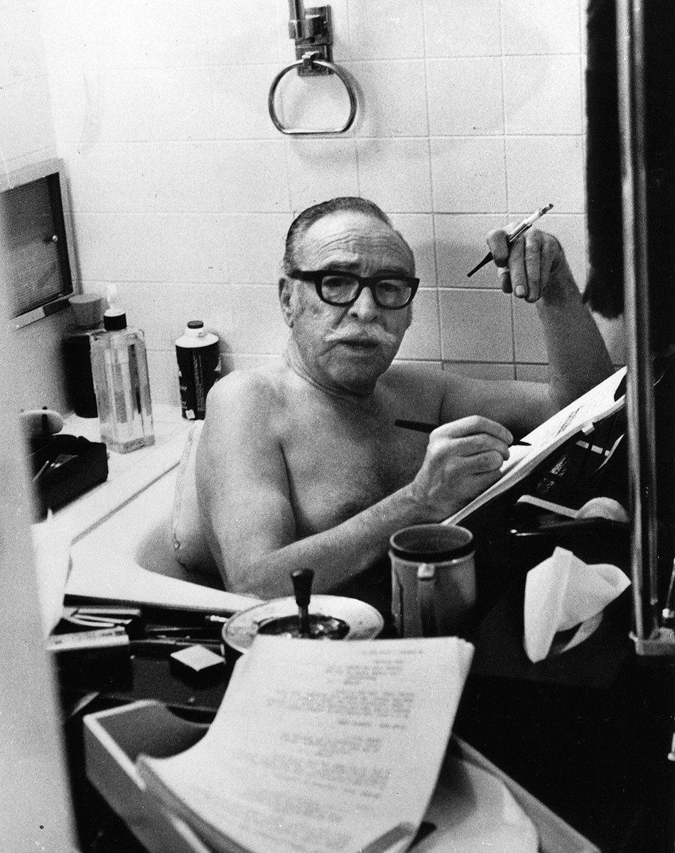 Dalton Trumbo had it easy. I'm using Final Draft on my macbook in the bathtub. Suds are on the usb ports and water on the keys, and in 20 minutes I have to plug the damn thing in. #screenwriting #notactuallydoingthis https://t.co/Pv1r0AjcB9