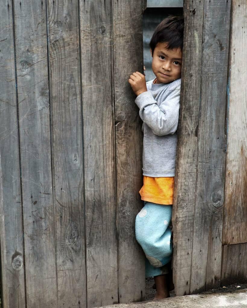 El Niño de la mirada dulce.  -  #latergram ##guatemala #soy502 #guatevision_tv #GuateLoMejorQueVes #MiLugarFavoritoPl #québuenoesmipaís #natgeotravel #natgeolatam #fotografasdenatgeo #yourshotphotographer #fotografos_latinoamericanos #fotografas_latam … https://t.co/pQjQFdoOEo https://t.co/xhD9hqogNO