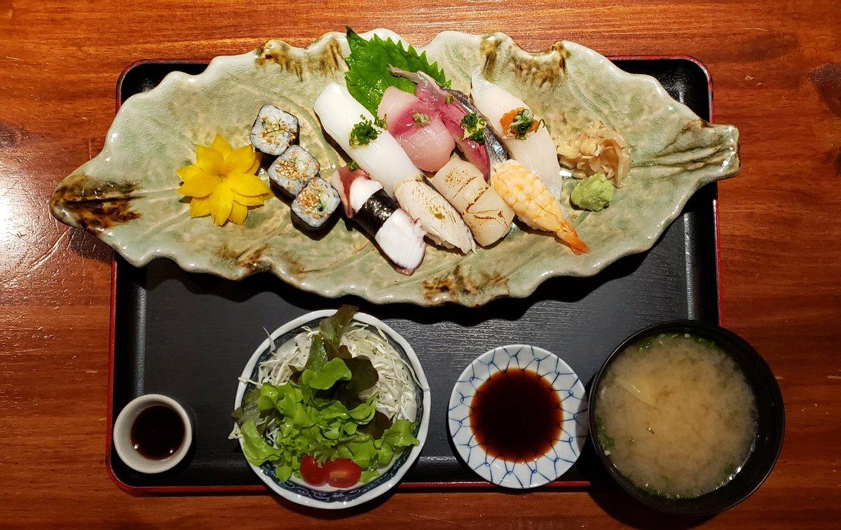 🍣  #寿司 #ランチ #コスパ最高 #新鮮 #おいしい #グルメ #バンコク #タイ #sushi #lunch #fresh #delicious #gourmet #bangkok #thailand #寿司 #午饭 #新鲜 #好吃 #美食家 #曼谷 #泰国 https://t.co/ZV0yn5jpj0