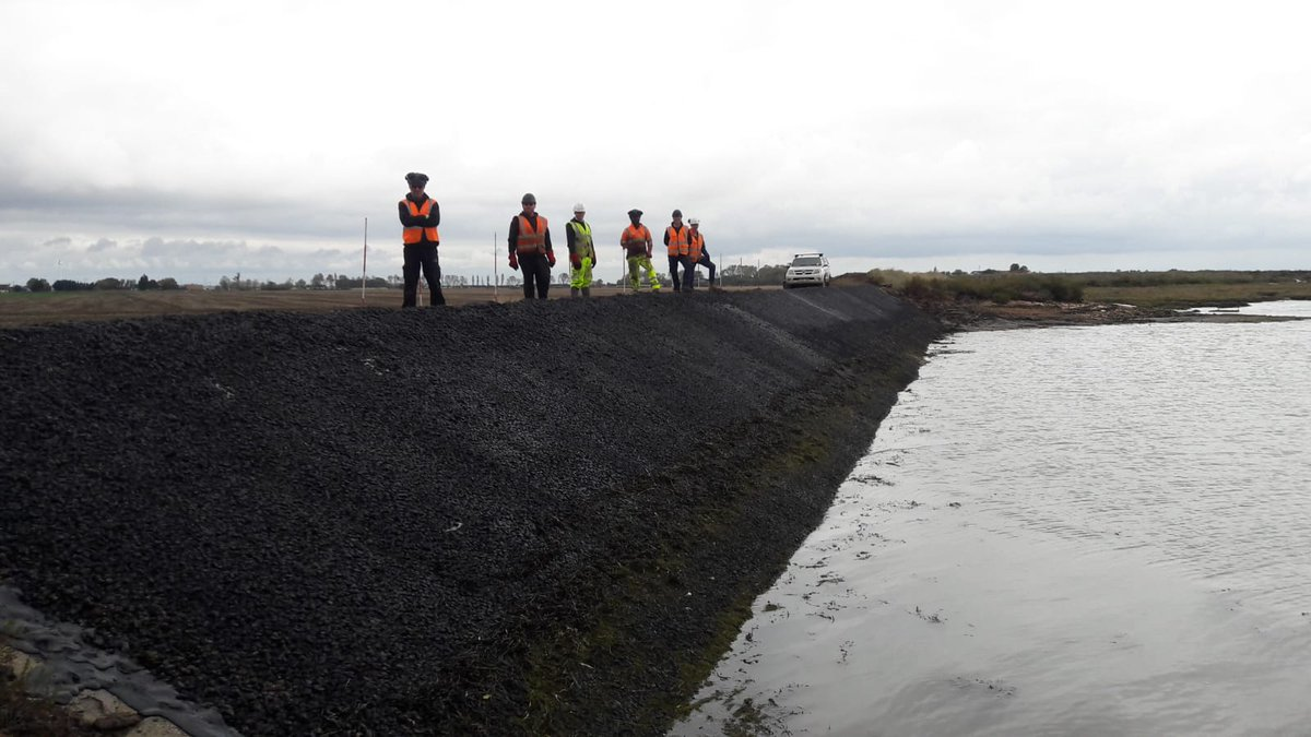 3rd and final seawall revetment location completed on the Essex Embankments scheme for @jnbentley and @EnvAgencyAnglia Thanks to the team for completing the works safely and ahead of programme. https://t.co/b2NjSXoewc