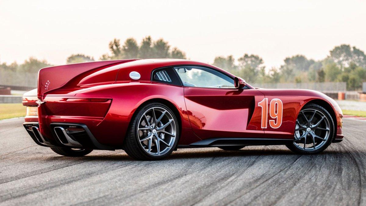 The #Aero3 is a rebodied #FerrariF12 #Berlinetta made out of carbon fiber. https://t.co/jtqCvc0UE9 https://t.co/kd2C2kZWLP