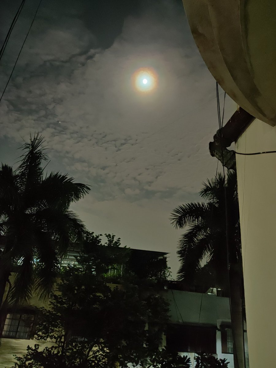 #Epicview #moonlightlovers  #viewfrombalcony #Nagpur  #peace #Serenity  #oneplus7 https://t.co/NoT3qpFzDU