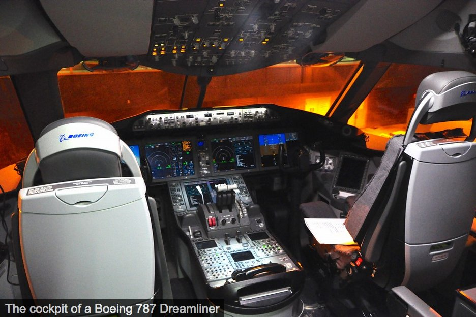 """#breaking @Boeing  to move all 787 Dreamliner production to South Carolina and end 787 production in Everett """"to improve operational efficiency."""" #travel #avgeek #airlines #airplanes  https://t.co/Qum7xV9Bz6 https://t.co/BzFEcGBPHy"""