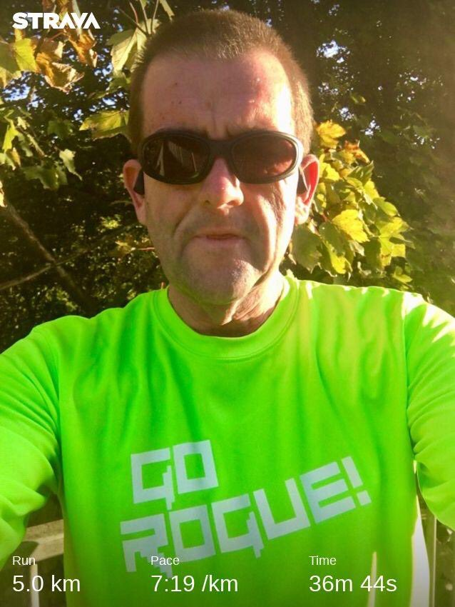 Cool, crisp #Derbyshire evening. Off the mark for the @Twittachallenge with a nice steady after work trot. #TwittaWinterChallenge  #pigtailpower https://t.co/YEApL05fGw