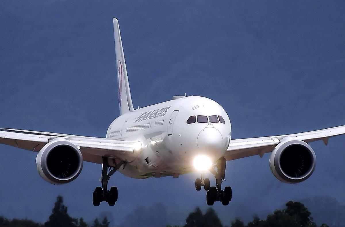 JAL   Boeing 787-8 (788)  いわて花巻空港✈️にて撮影  2019 いわて花巻空港発ホノルル行きチャーター機  #JAL #いわて花巻空港 #Boeing788  ©︎ Shinji-Chida https://t.co/n4j12h2k5x