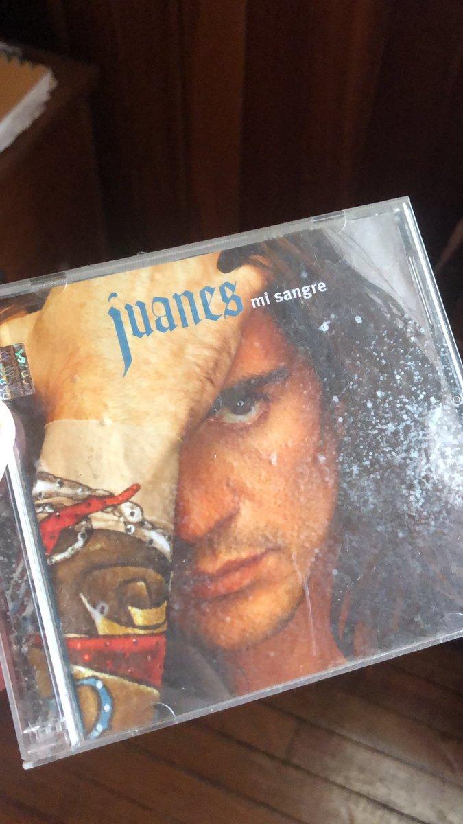 @juanes Mi primer disco con 10 ańos!