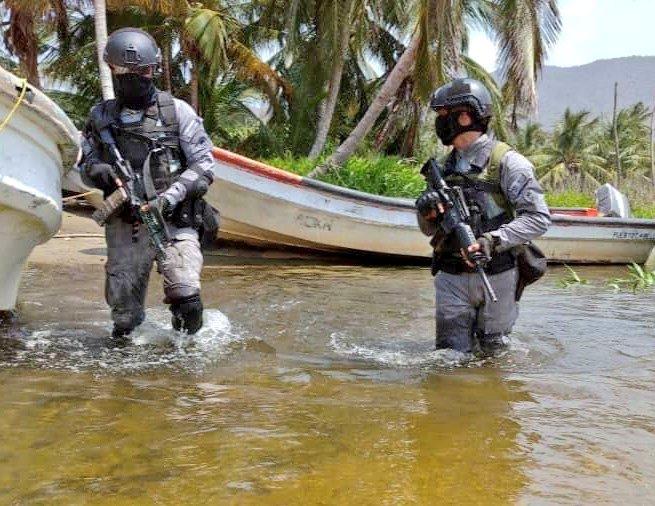 Tag ceofanb en El Foro Militar de Venezuela  EjREndTXgAIIj0h?format=jpg&name=small