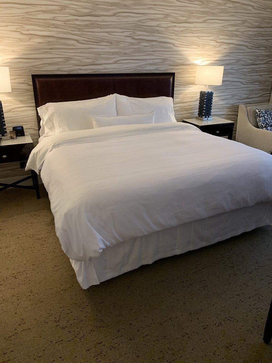 Take a tour of the newly remodeled rooms at the @Westin   #dfw  https://t.co/GrZguB6KlK  #travel #texas #dfw #roadtrip #familytravel https://t.co/9ORYDW7kuU