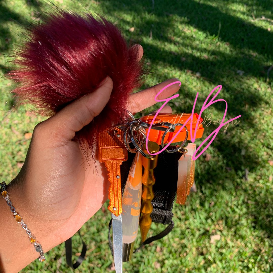 I started my fall theme self defense keychains 🧡 Thoughts ? 🤔   https://t.co/UPin48KpT3 #Blacklivesmatter #BlackOwnedBusiness #selfedefensekeychains https://t.co/SdHidED3BG
