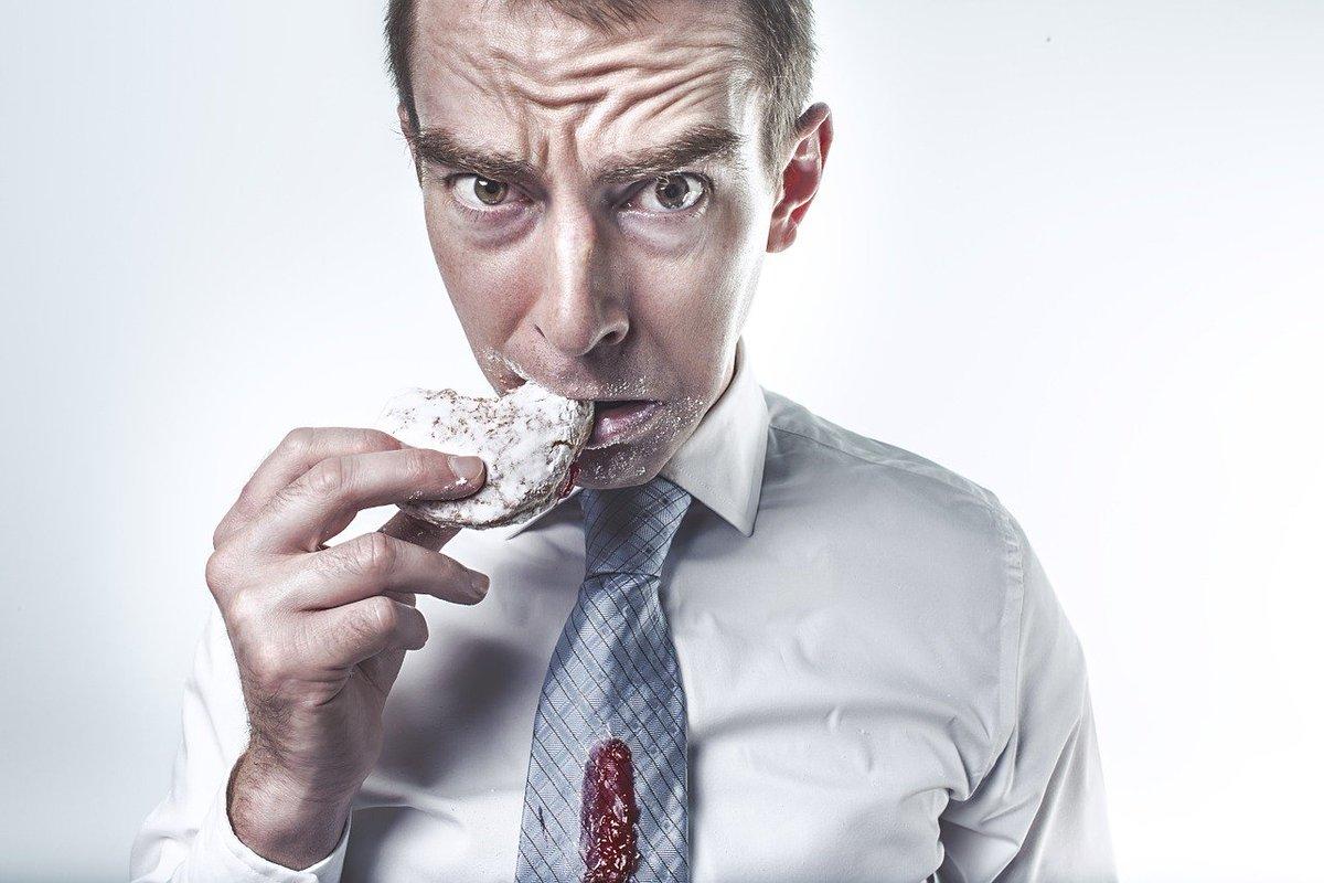 — ¿Sabes cómo se queda un mago después de comer?  — Magordito  #Chistes by Javier Antonio Gonzalo Morales Divo  https://t.co/PBsTXVVTaN  #Humor #RT #Followback #Followme #Fat #DMM20201001 https://t.co/4C79SNgDSa