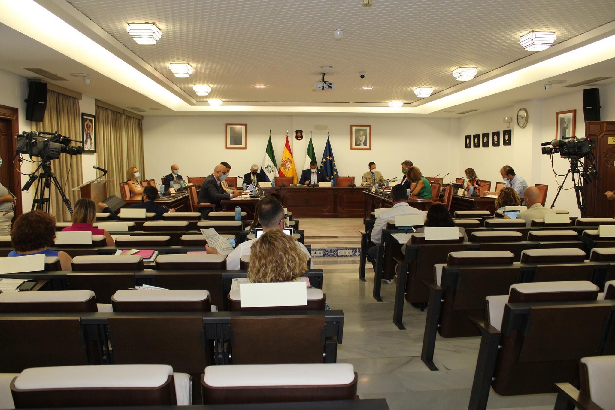 #Pleno | #Mijas 🗣 El Pleno reconoce el valor de la Transición y la Constitución de 1978 ▪️La moción, presentada por el @PPMijas, salió adelante con una enmienda del @MijasPSOE ▶️ mijascomunicacion.org/index.php/noti… 1
