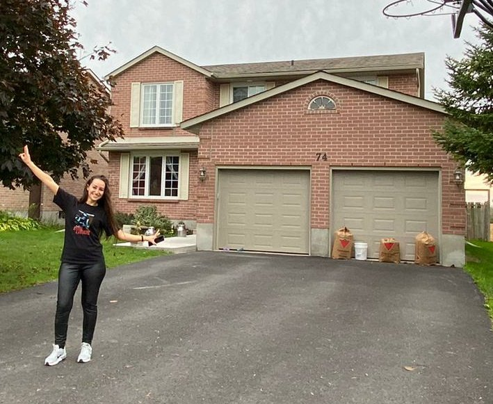 I & @AvrilLavigne's Old House in #Napanee ❤️🇨🇦 The Original 🏡  Best memories in #Canada ❤ #avrillavigne