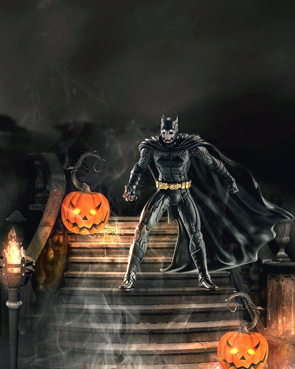 """— Buenos días, me gustaría alquilar """"Batman Forever"""".  — No es posible, tiene que devolverla tomorrow.  #Chistes by Javier Antonio Gonzalo Morales Divo  https://t.co/PBsTXVVTaN  #Humor #RT #Followback #Followme #Batman #DMM20201001 https://t.co/wKs6biAy4Y"""
