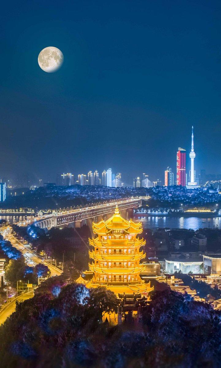 Chinese cities share the beautiful moment of Mid-Autumn festival: 🔗https://t.co/3kTWaNgRNf https://t.co/Xn7tt07nTq
