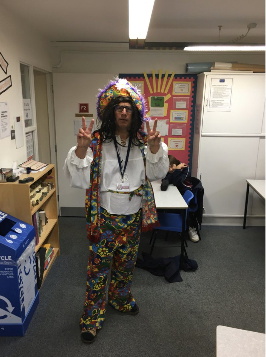 Looking groovy, Mr Harris! #FancyDressFriday #FridayFeeling #FridayFun #deancloseprepschool https://t.co/Ab9zGd2Qzs