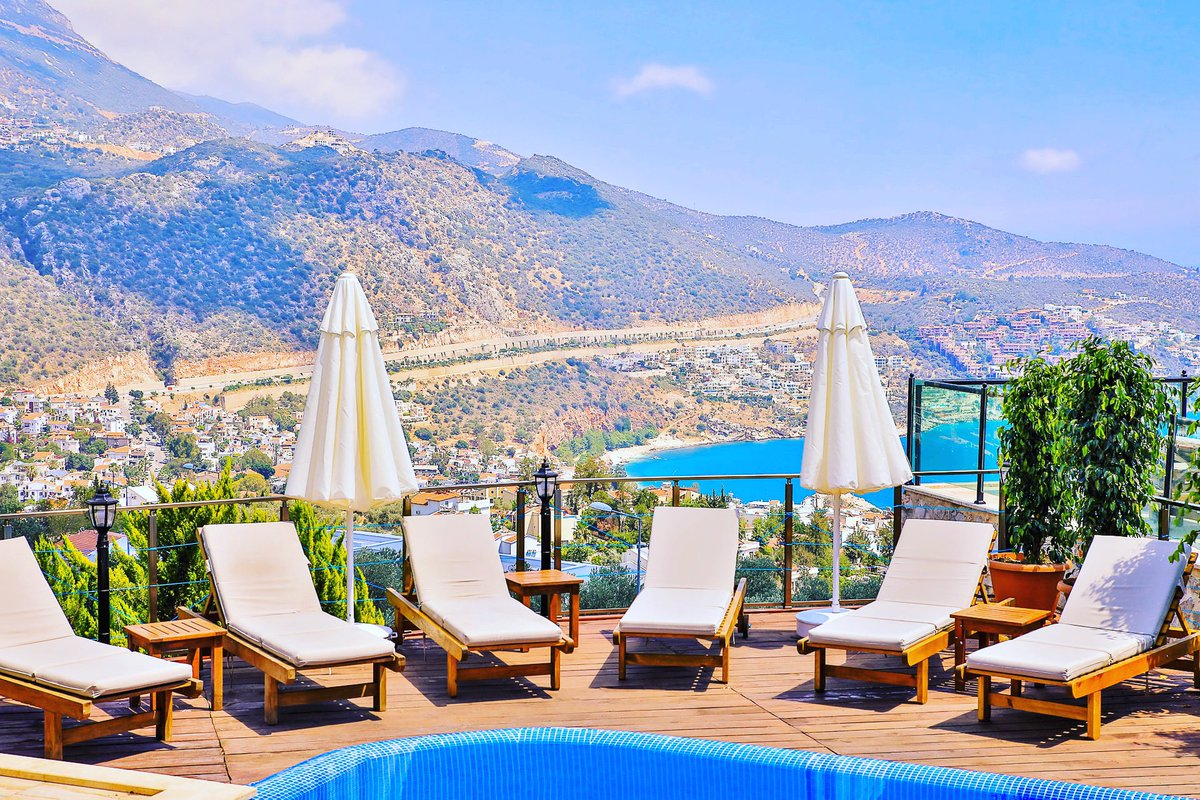 The views you've been dreaming of. The best days start from outdoor your villa living area like this. 2021 awaits. Stay Safe in the meantime. #thisiskalkan #staysafe #stunningviews #breathtakingview #viewstagram https://t.co/M4zs1Wl3AJ