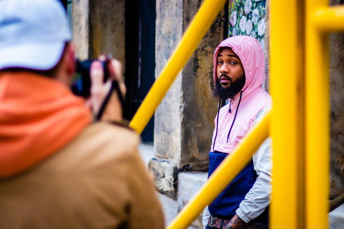 Framing.  Model: @roddrickjr  #model #photoshoot #streetshoot #alleys #canon #canont7i #jackson #jacksonmi #mi #michiganphotographer https://t.co/1QAQn7IWto