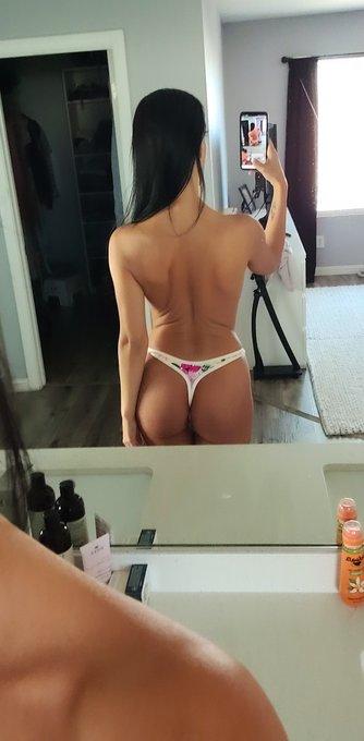 Morning selfie 😋 https://t.co/fNrGqd5xWw