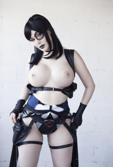 Domino throwback. Had this outfit custom made based off Domino art by @StvartakMato https://t.co/KtG