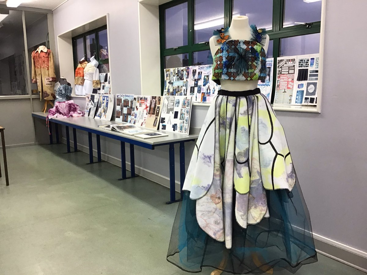 A breathtaking display of work from @RGSWorcester Sixth Form Textiles Students 🤩  🧵  ✂️@RGS_TEXTILES #Worcesterisgreen