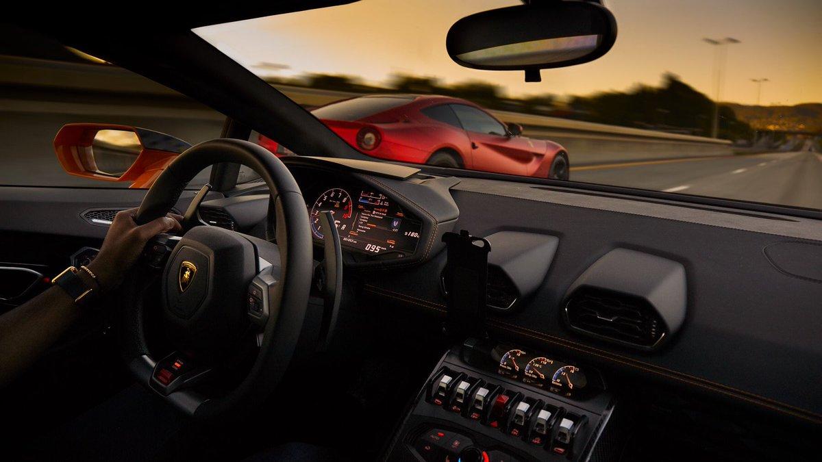 Wkurza mnie ten rok. A takie miałem  fajne plany podróży Przynajmniej mogę cieszyć się wspomnieniami. Np. epickiego wyjazdu do Norwegii. Ferrari F12, Lamborghini Huracan i McLaren 570s. Każdy inny i każdy zapadający w pamięć🔥😎🤩  #ferrarif12 #lamborghinihuracan #mclaren570s https://t.co/oMEnsCwuhv