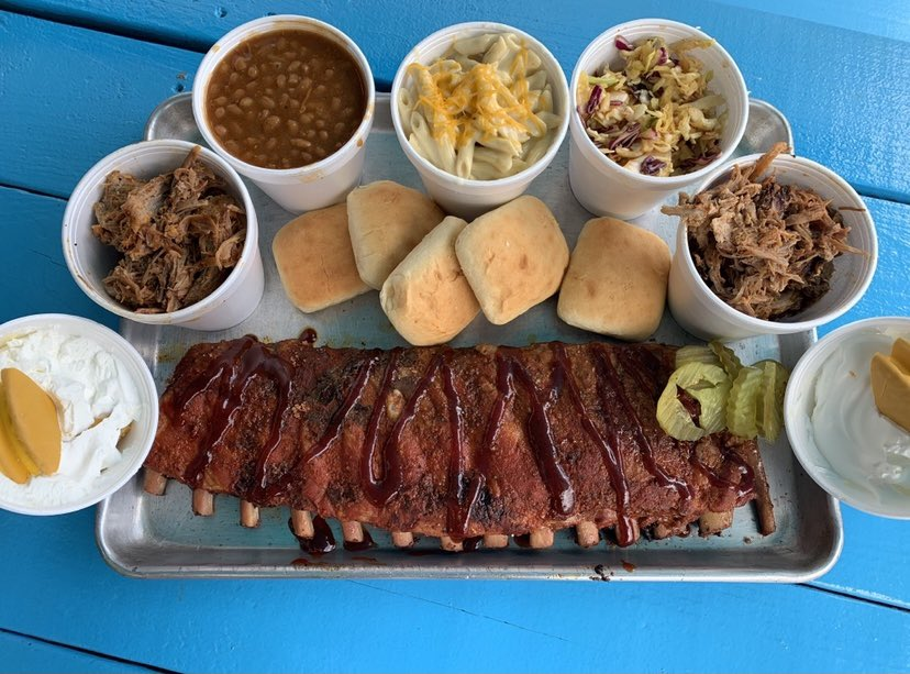 I'm not gonna say they are the perfect game day food, but...perfect game day food. Come grab a dinner dear for 4 starting at $19.99 OR enjoy the patio! #chattanooga #charlieschattanooga #stlouisribs https://t.co/5XdobnynA7