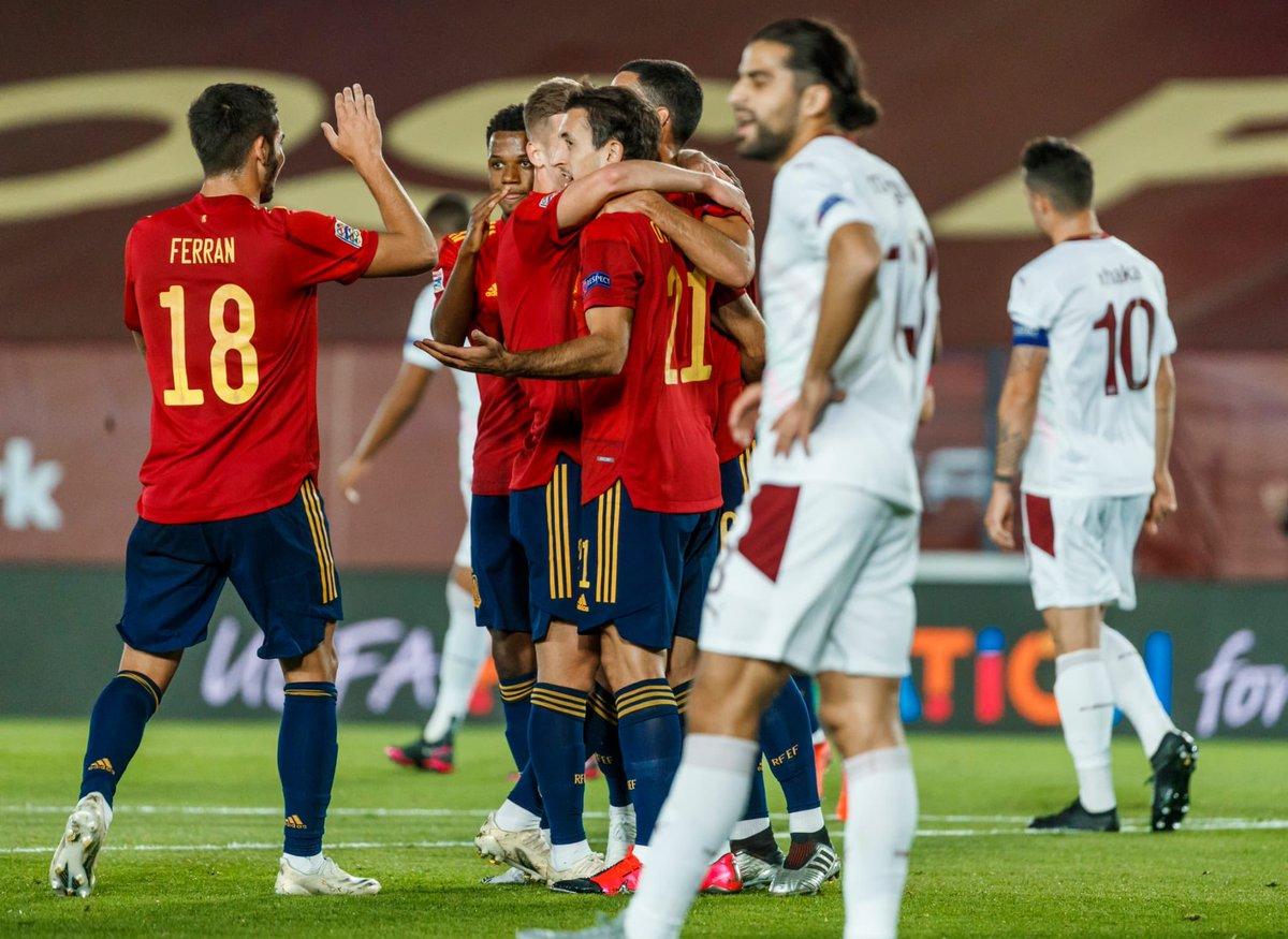 Vamos por el buen camino👍 ➕3️⃣  #SomosEspaña 🇪🇦 @SeFutbol