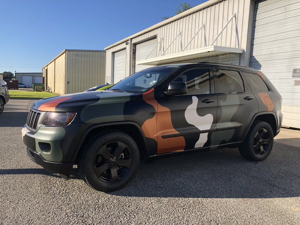 CAMO WRAP ON THIS JEEP🥵 GIVE ME A RT IF YOU WOULD WANT THIS LOOK ON YOUR CAR. BOOK WITH ME✊🏽