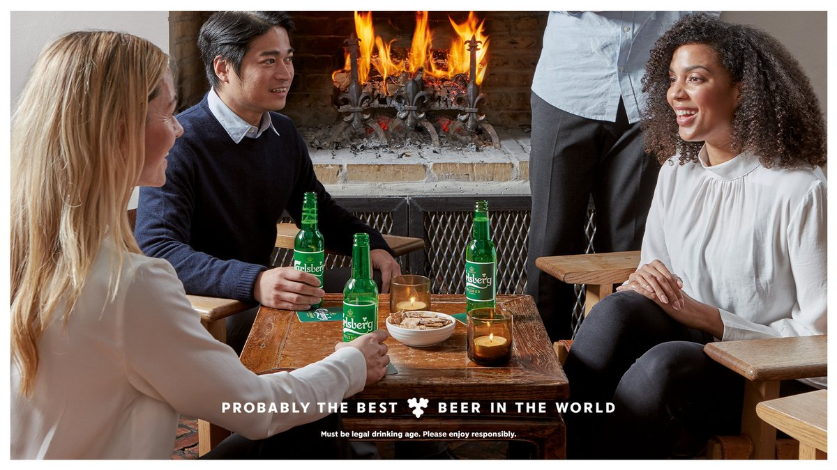 Fall is here! 🍁🍃  So enjoy a Carlsberg with thefalling leaves, beautiful colours and sweater weather.🙌  #FallisHere #Hygge #Beer #Fall https://t.co/50aWcflCwh