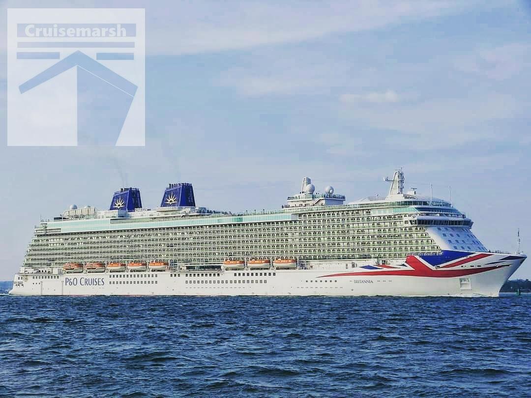 @pandocruises #Britannia passes by Calshot on 29th May 2016 at the start of another cruise. 🛳️📸🇬🇧  #PandOCruises #HolidayLikeNeverBefore #Britannia #SouthamptonWater #Calshot #May2016 #CruiseShipPhotography  #CruiseShipDeparture #HullArt #UnionFlag  #Cruiseblogger #Cruisemarsh https://t.co/0CSLNdMvGi