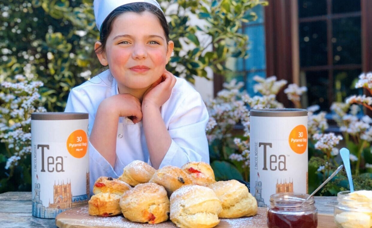 Learn how to bake a lemon curd cake, sones or rhubarb jam with our little Lincolnshire chef Daisy, from @CrossKeys_Stow 🍰  #TasteLincolnshire #bakeoff #DaisyLikesToCook   https://t.co/UU6xs8CXmR https://t.co/aBfXtCGB3c