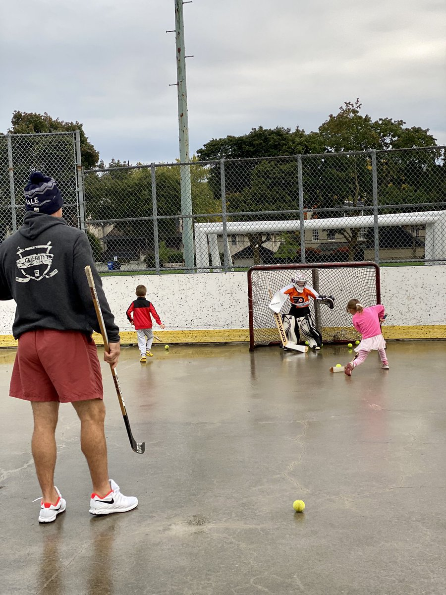 Fall hockey https://t.co/3rQULhTM5m