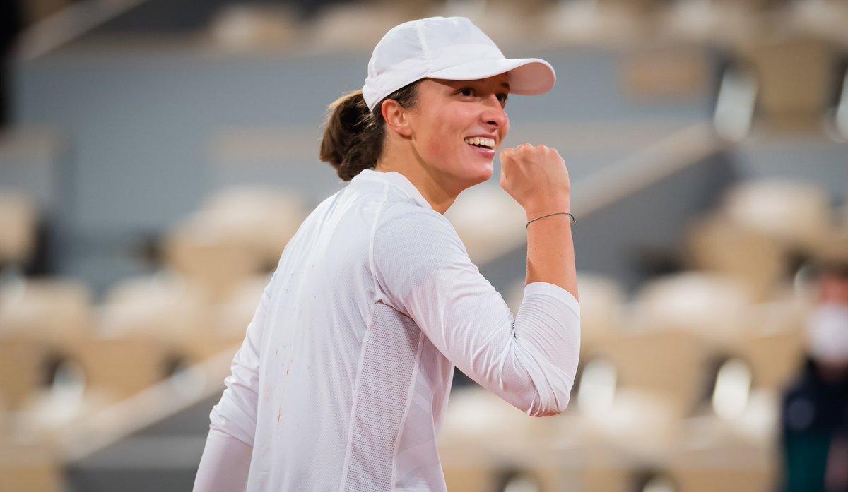 🙈Lesson learned... I can't even describe the feeling. It was a blast and I'm still a little bit amazed. Thank you @Simona_Halep for the match.  Lekcja odrobiona. Jestem jeszcze odrobinę oszołomiona, ale bardzo dziękuję za wsparcie!🙈 #quaterfinals #rolandgarros #stepbystep https://t.co/S0QqmJs7Bh