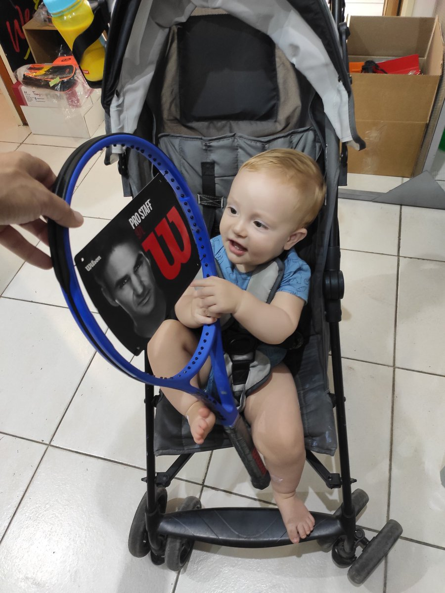 @WilsonTennis This is the one I have!! And Joaquin picked up for me!!