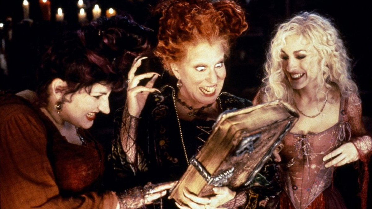 Streaming and cinema are friends after all.  #HocusPocus was re-released into US cinemas and it's #1 movie in the US theatres for this weekend.   The same movie is also currently trending as #1 on Disney+ in the US and also #2 on Vudu and #6 on Amazon.  https://t.co/XqMlbjOJ3p https://t.co/LnfvGUQsyb