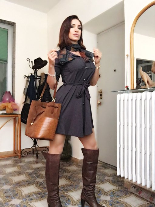 Good night... #goddess #leather #boots #stivali #WomanPower #superior #domina #dominantfemale #dominante
