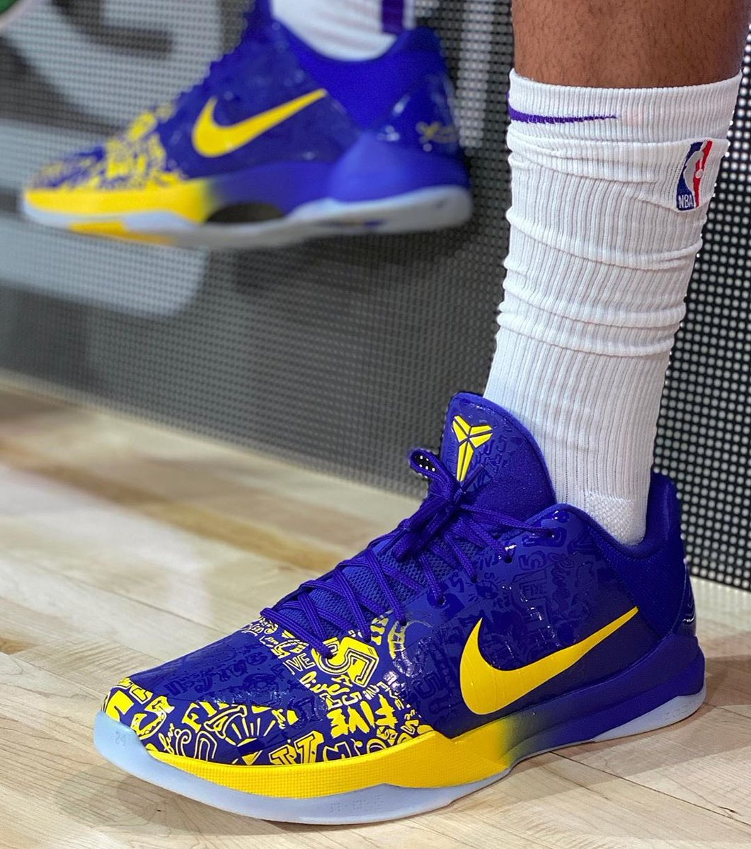 Nick Depaula On Twitter Anthony Davis Is Wearing The 5 Rings Kobe 5 Tonight The Same Shoe Kobe Wore During The Lakers Ring Night Game 10 Years Ago Nbakicks Https T Co 0ljf1sasxk