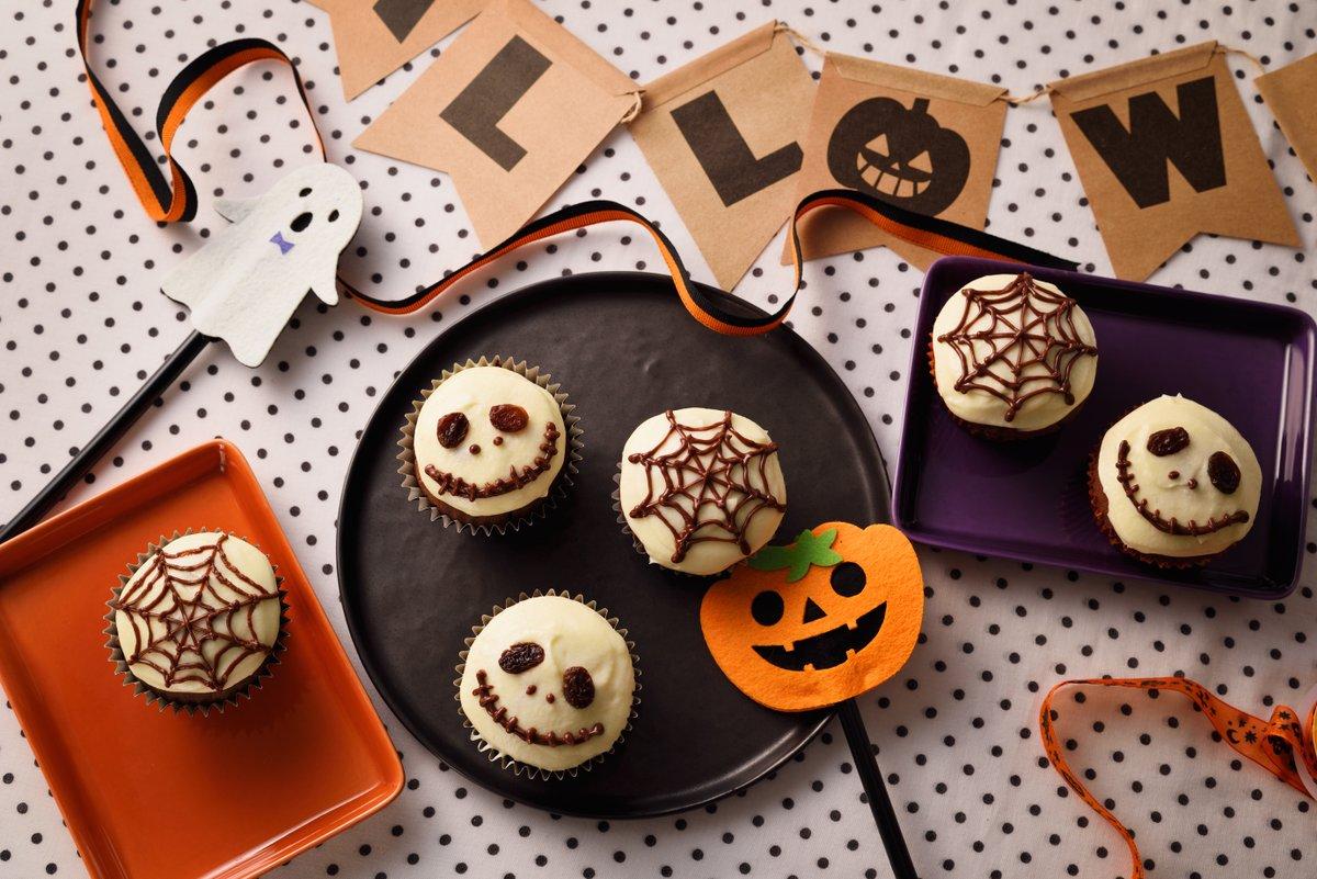 今年のハロウィン🎃は、こわカワ💀カップケーキでパーティーなんていかが🤗?お菓子作り向けのラーマは柔らかくて、計量も混ぜるのも簡単😊コクも出ます!おうちでハロウィン!楽しみましょう🎃詳しいレシピは👉#ラーマお菓子作りのためのマーガリン