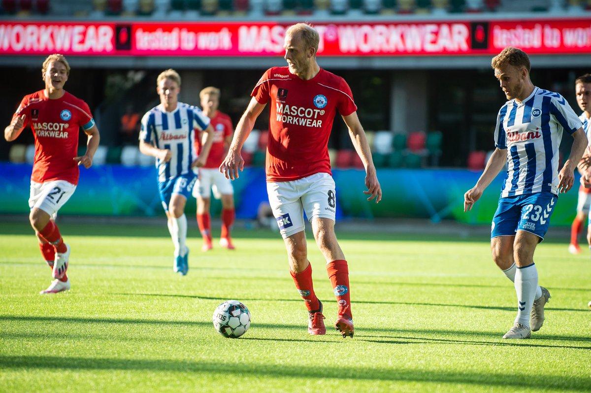 Vegard Moberg og @SilkeborgIF har ophævet nordmandens kontrakt. Midtbanespilleren er taget hjem til Bergen: https://t.co/qMjP8lMtM3 https://t.co/J2g8c1ywqq