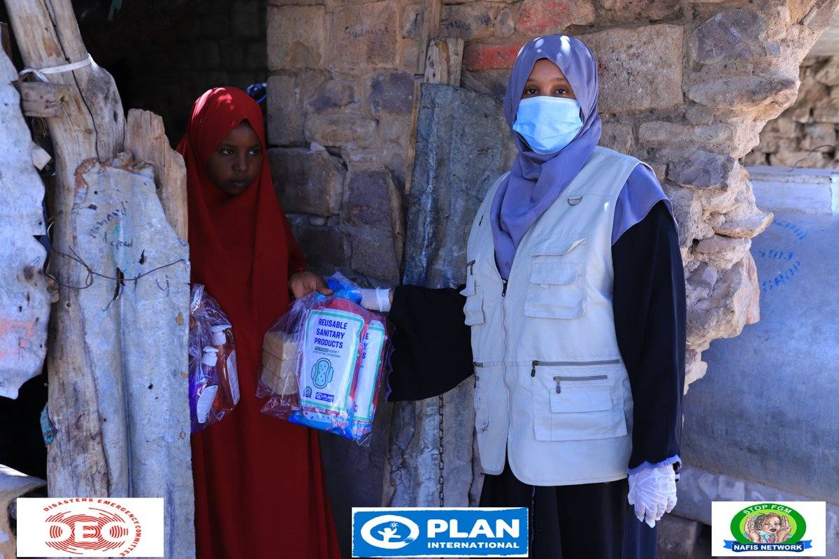 With the #DECappeal and #Planinternational fund, #NAFIS_Network distributed the first patch of sanitary and hygiene products to the girls of 1,100 households among the most vulnerable communities living in the statehouse IDP  #Hargeisa, to protect themselves from  #Covid_19