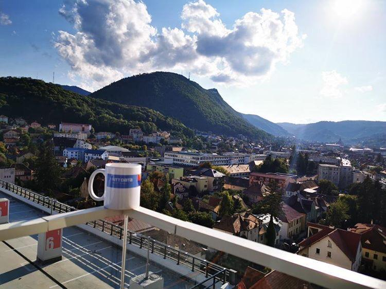 Mondays are better when you enjoy a short break with a view like this! #OfficeView #Brasov #LifeAtNTTDATA https://t.co/J3KMCU3jFY