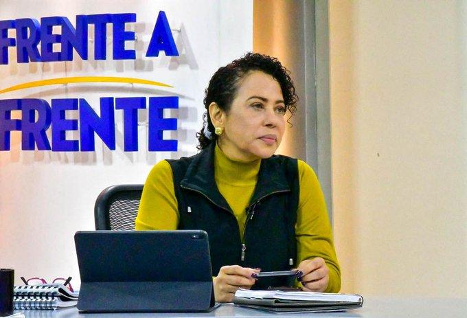 Carolina Recinos: Ya hay fondos para pagar a empleados del Congreso, Hacienda detiene el pago