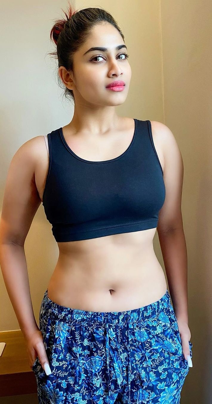 Glamorous Shivani Narayanan Hot S*xy Pictures