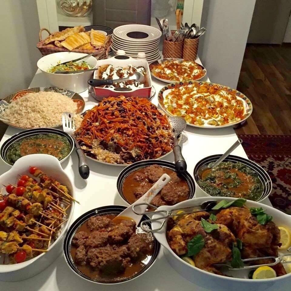 No one:  Afghans: I'm so sorry I didn't have a chance to make any food. This is all so rushed and last minute. 🙄😅 https://t.co/TZW4A2z99x